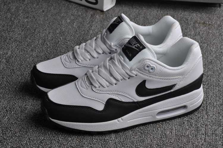 Nike Air Max 1 Essential Scarpe Uomo e Donna